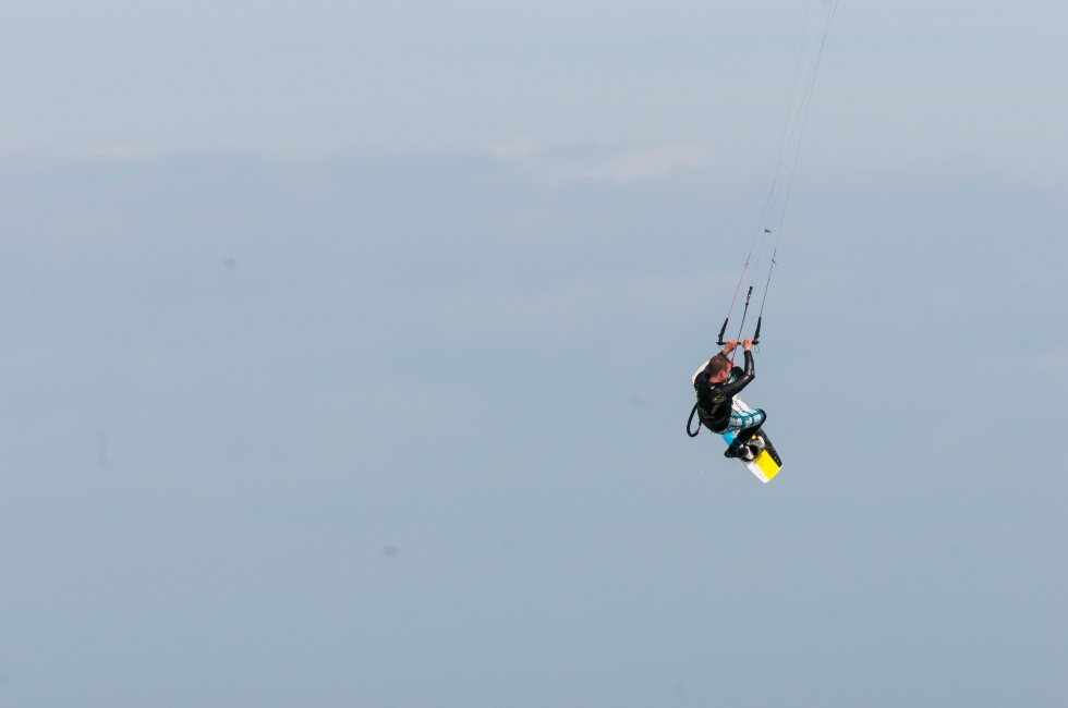 kitesurfer jump 7