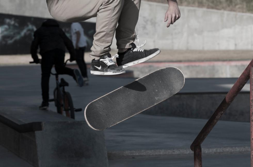 Skater flip